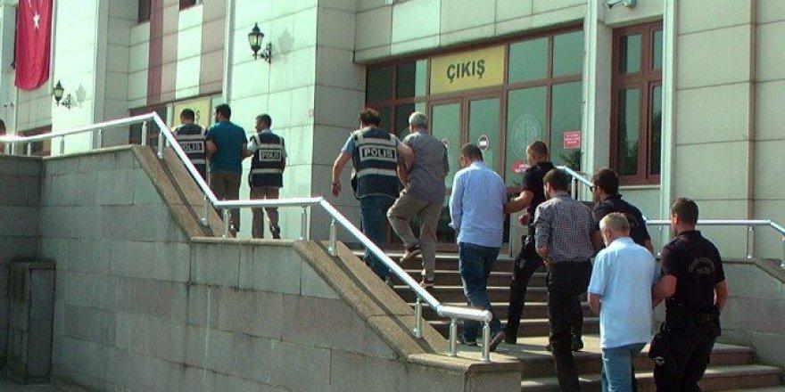 Düzce'de FETÖ'den 9 Kamu Görevlisi Tutuklandı!