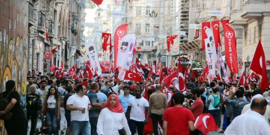 Yüzlerce vatandaş 30 Ağustos içinbir araya geldi