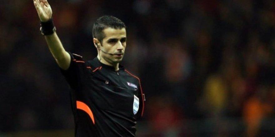 Hollanda - Yunanistan maçı FIFA kokartlı Mete Kalkavan'ın