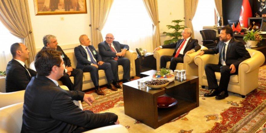 Kılıçdaroğlu Miad Üyelerini Kabul Etti