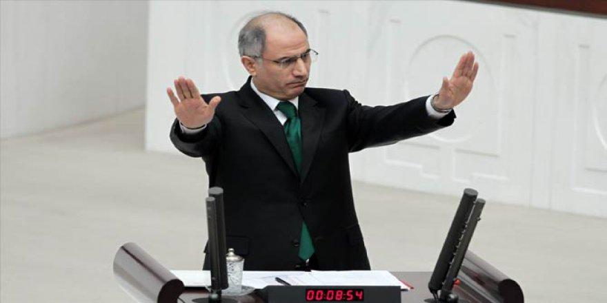 Eski İçişleri Bakanı Efkan Ala görevini Süleyman Soylu'ya devretti