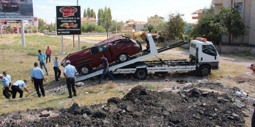 Aksaray'da Minibüsle Otomobil Çarpıştı: 1 Yaralı