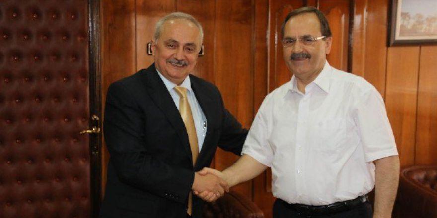 Ziraat Fakültesi Dekanı Demir, Başkan Şahin'i Ziyaret Etti