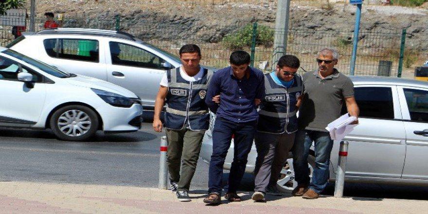 Antalya, Alanya'da Suriyeli Dolandırıcı Yakalandı