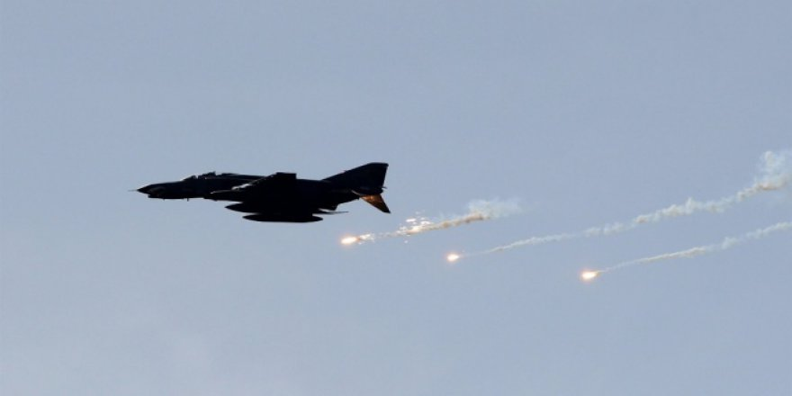 Gara bölgesi ve Çukurca'da terör örgütü PKK'ya hava harekatı