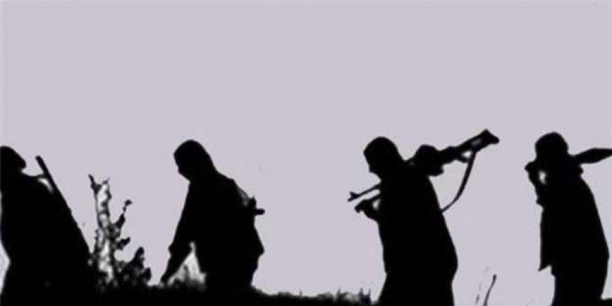Pkk'lı Teröristler Çukurca'da Minibüsü Taradı: 1 Yaralı
