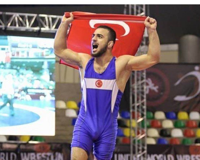 Bursalı Enes Uslu Dünya Şampiyonu oldu
