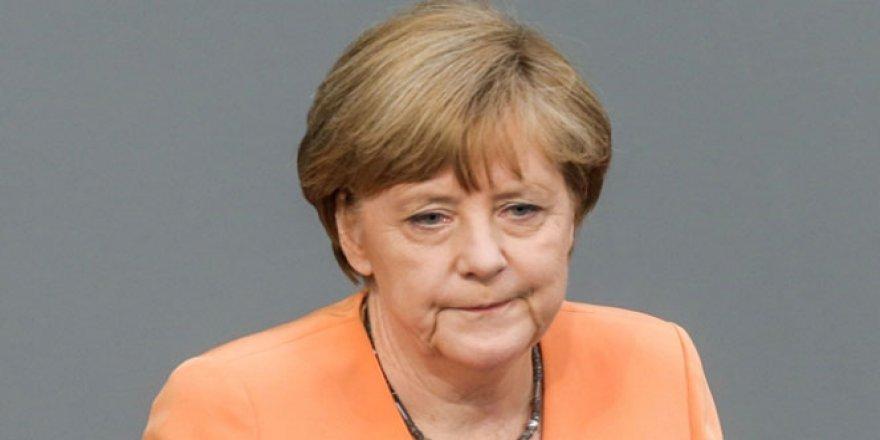 Merkel'den flaş Türkiye açıklaması: ''Buna Karşı Durmalıyız''