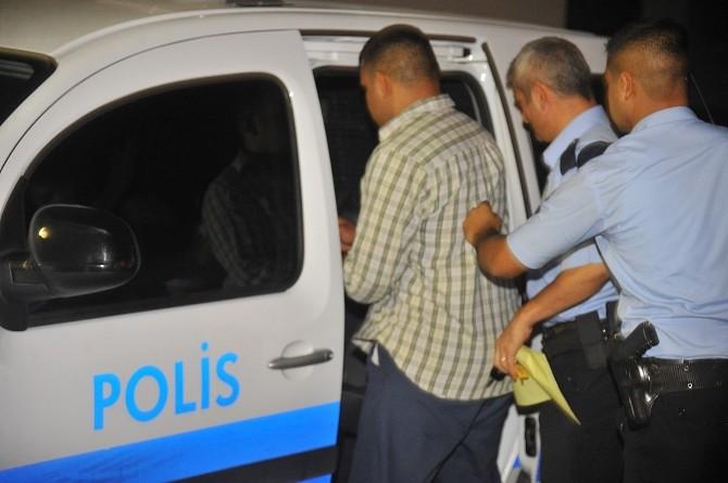 Gaziemir'de Tartıştığı Kız Arkadaşını Öldürdü