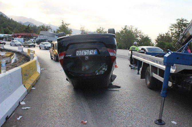 Denizli'de Kontrolden Çıkan Araç Takla Attı: 2 Yaralı