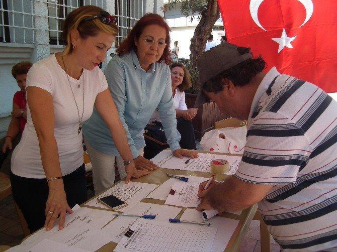 Aydın'da Chp'li Kadınlar Darbeye Karşı İmza Kampanyası Başlattı