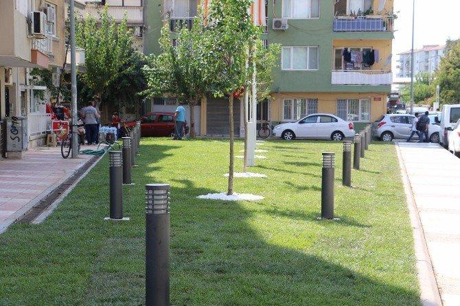 Manisa'da İkiz Kulelerin Önünde Çevre Düzenlemesi Yapıldı