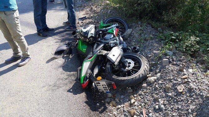 Ereğli'de Motosiklet Sürücüsü Duvara Çarptı