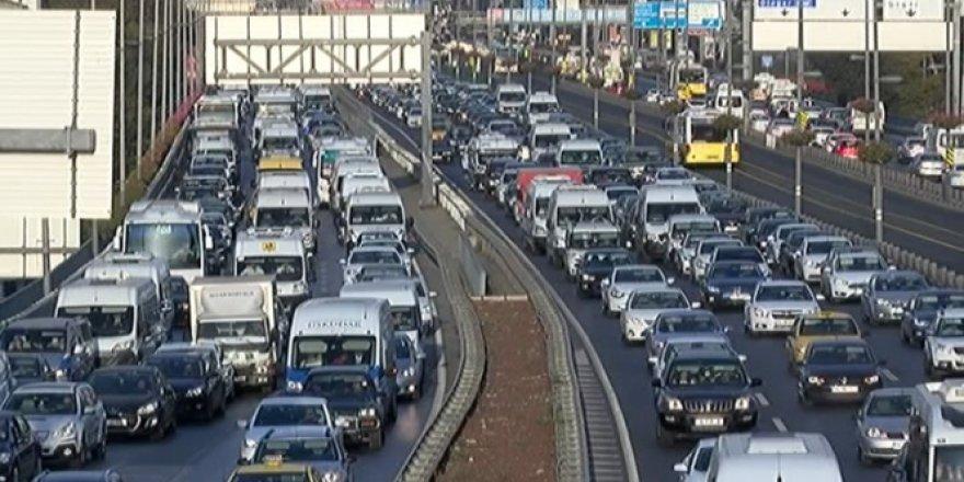 Okulların Açılması İstanbul'da trafiği felç etti!