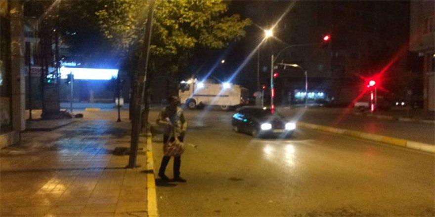 Van'da İpekyolu İlçe Emniyet Müdürlüğü'ne taciz ateşi ve patlama
