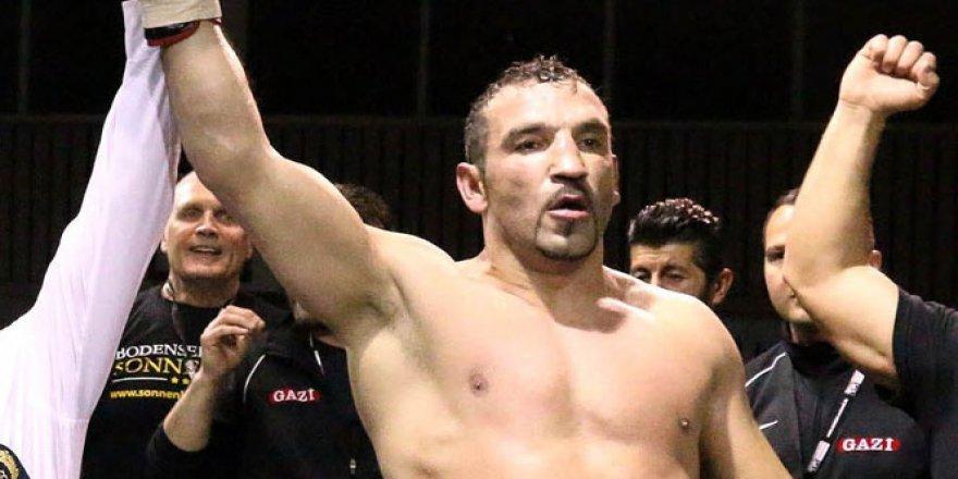 Boksörümüz Fırat Arslan, yeniden Avrupa Şampiyonu