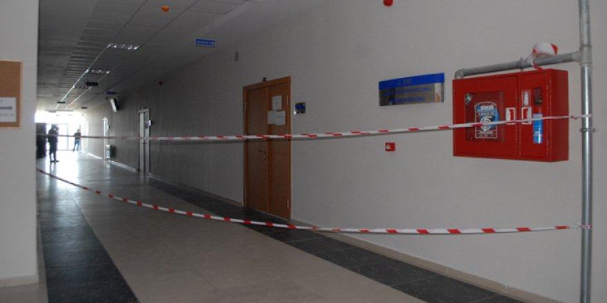 Burdur, MAKÜ'de ders sırasında tavan çöktü: 5 yaralı