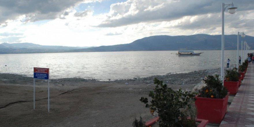 Korkutan Görüntü! Burdur Gölü, 54 santimetre çekildi
