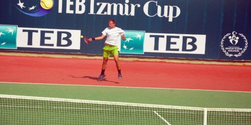TEB İzmir Cup'ta çeyrek finalistler belli oldu