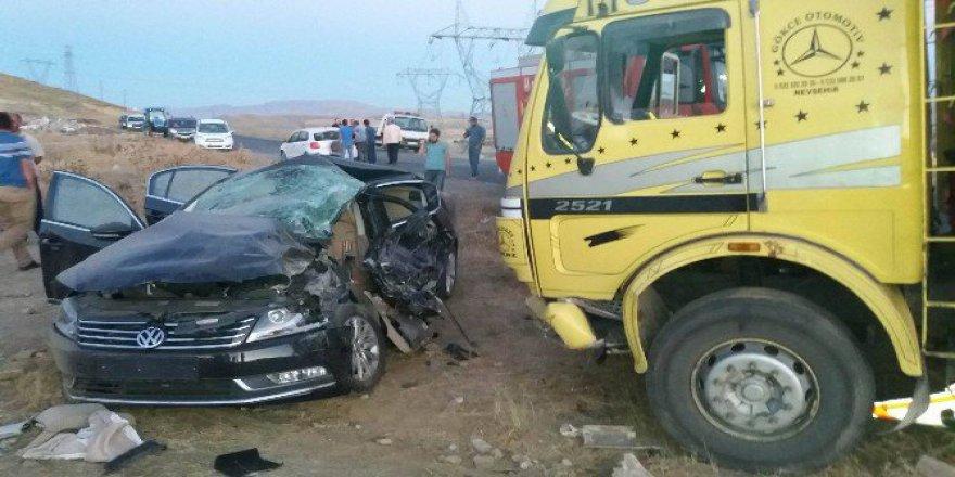 Erzurum, Horasan'da Trafik Kazası: 1 Ölü, 2 Yaralı