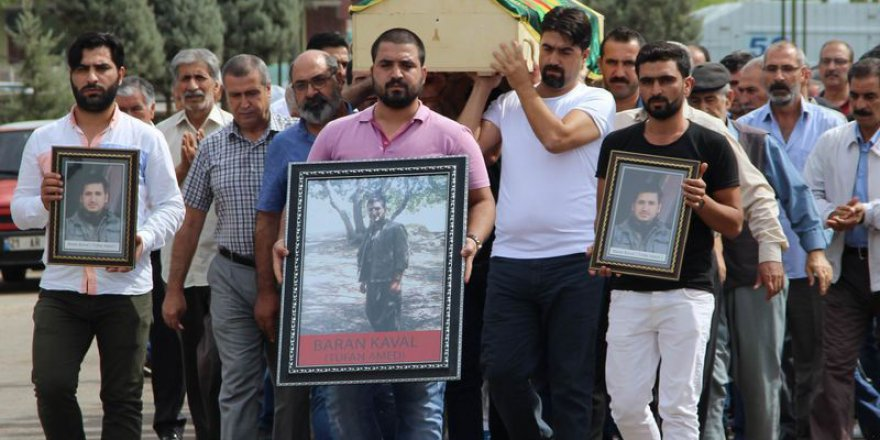HDP'li vekiller yine terörist cenazesinde boy gösterdi