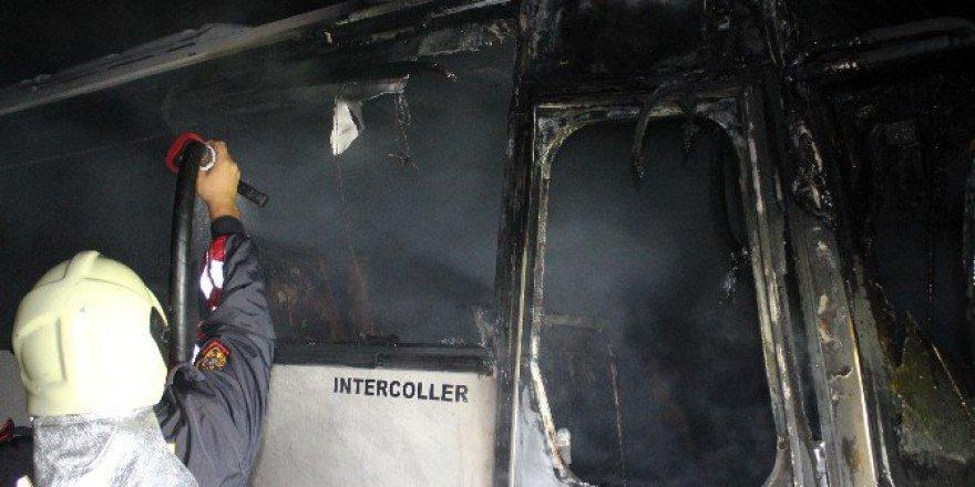Aydın, Nazilli'de Servis Aracı Alev Alev Yandı