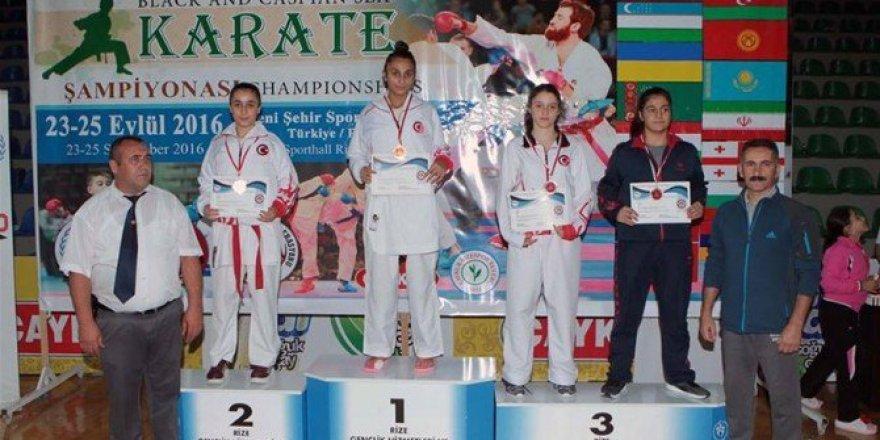 Malatyalı Fatma Uygur, Milli Takım Formasıyla Altın Madalya Kazandı