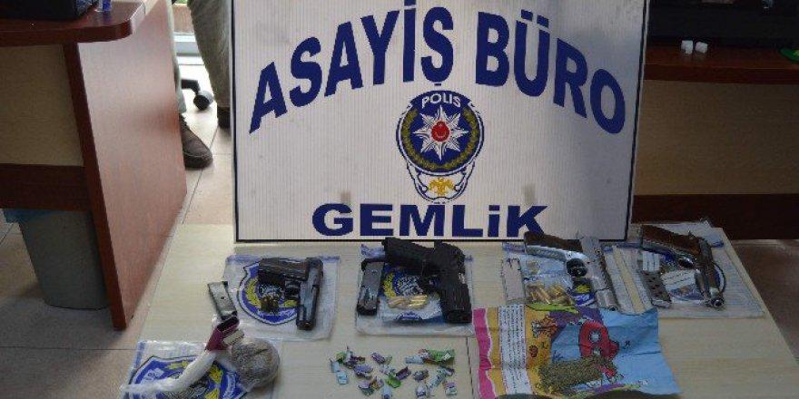 Bursa'da Masal Kitabından Uyuşturucu Çıktı