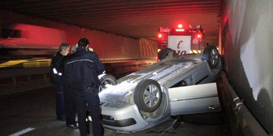 Kocaeli'de Öndeki Araç Takla Attı, Arkadaki 3 Otomobil Birbirine Girdi: 2 Yaralı