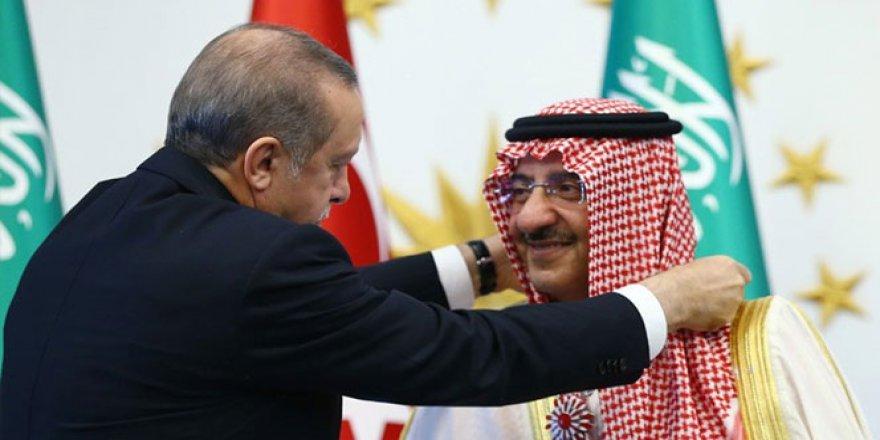 Cumhurbaşkanı Erdoğan'dan Suudi Prense Cumhuriyet Nişanı