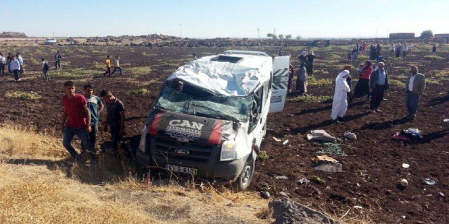Şanlıurfa'da öğrenci servisi kaza yaptı: Yaralılar var