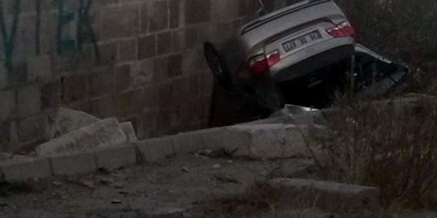 Kayseri'de otomobil köprüden uçtu: 1 ölü 1 yaralı