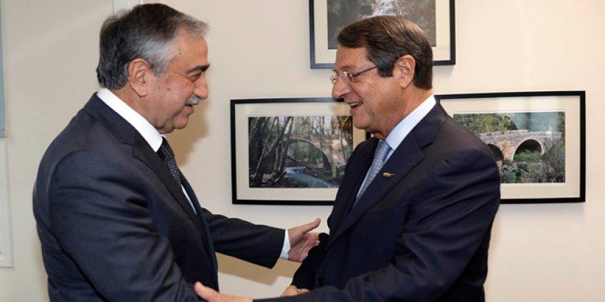 Kıbrıslı liderler Akıncı ve Anastasiadis yeniden bir arada