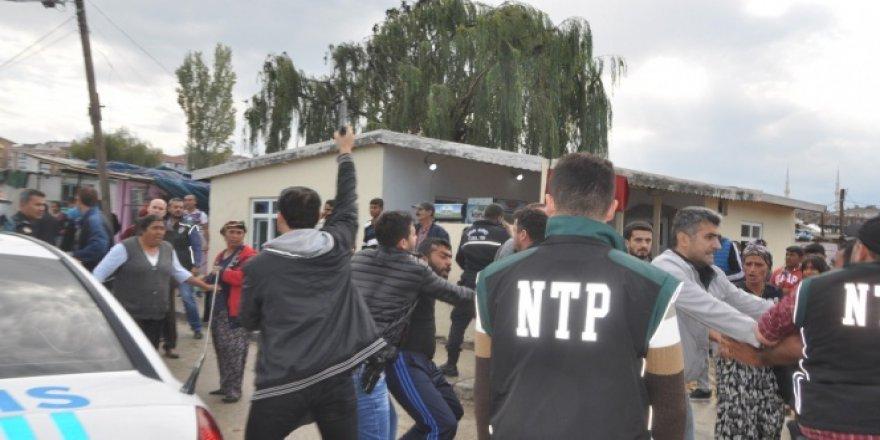 Tekirdağ'da polise saldırdılar!