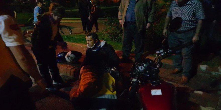 Zonguldak'ta Otomobil İle Motosiklet Çarpıştı: 1 Yaralı