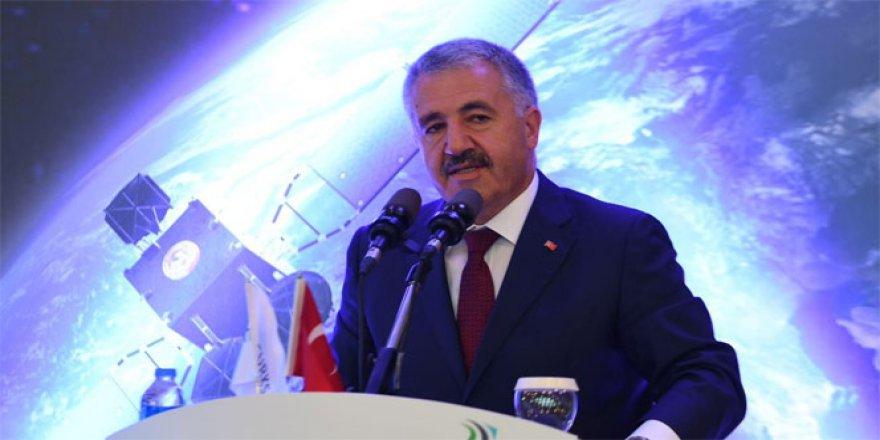 Ahmet Arslan'dan TRjet sürprizi