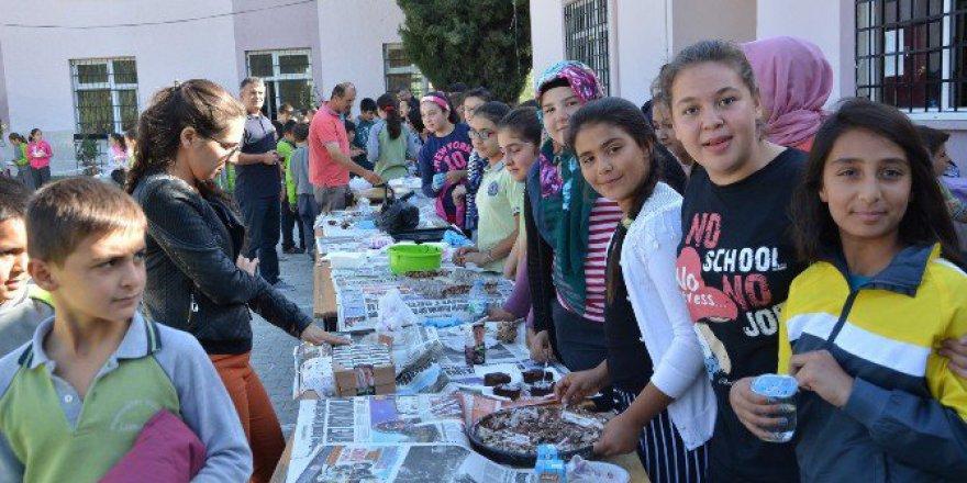 Öğrencilerden 15 Temmuz Şehitleri İçin Kermes