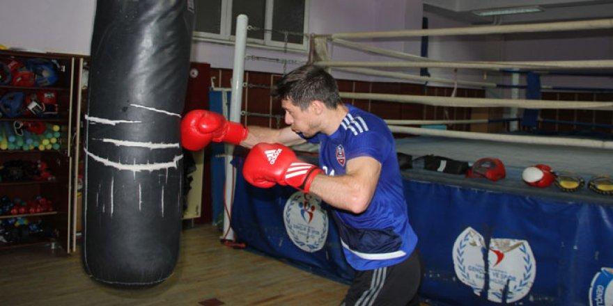 Karabükspor'dan kalecilerine boks eğitimi