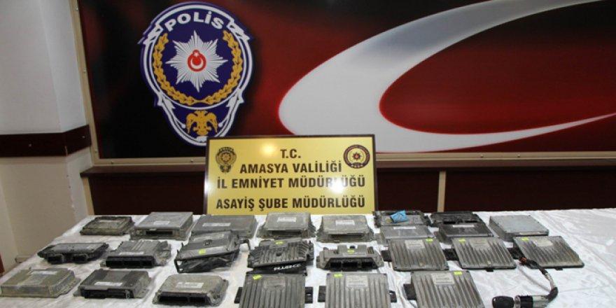 Amasya'da Çalıntı araçlardan geriye tek kalan ''beyinleri'' oldu