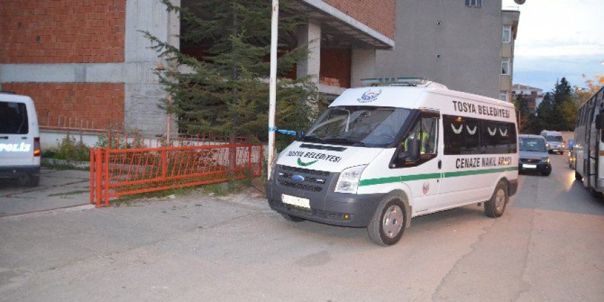 Kastamonu, Tosya'da İnşaatta Bir Ceset Bulundu