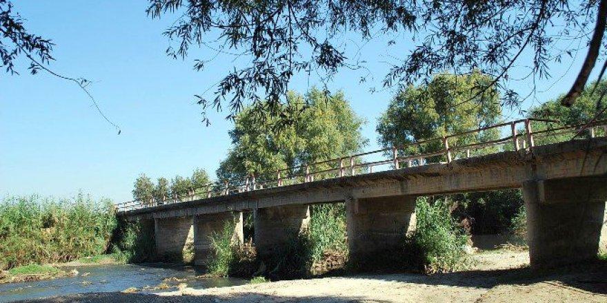 Manisa, Salihli'deki Yılmaz Mahallesi Sakinleri Köprü İstiyor