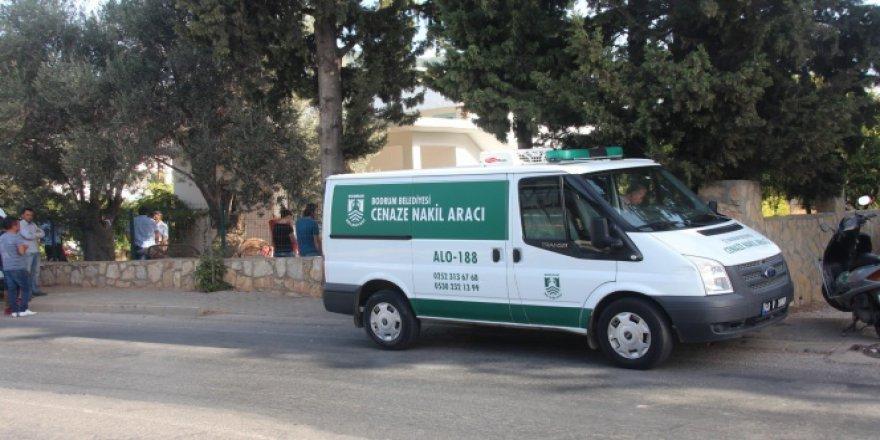 Bodrum'da yaşayan genç adamı ailesi evde ölü buldu