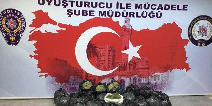 İzmir'de Uyuşturucu Tacirlerine Ağır Darbe! 2 Milyon 100 Bin...