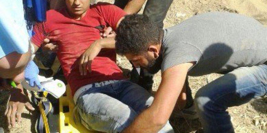 Malatya, Doğanşehir'de Kamyonun Altında Kalan Sürücüyü İtfaiye Kurtardı