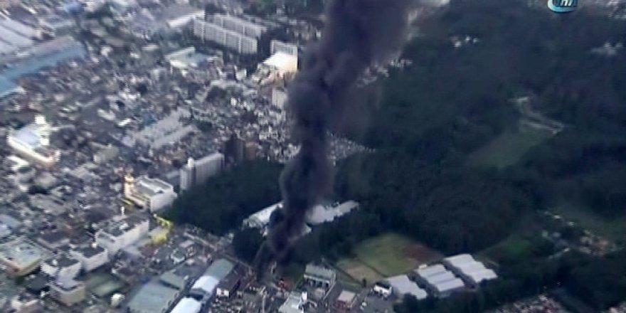 Tokyo'da patlayan trafo şehri karanlığa gömdü