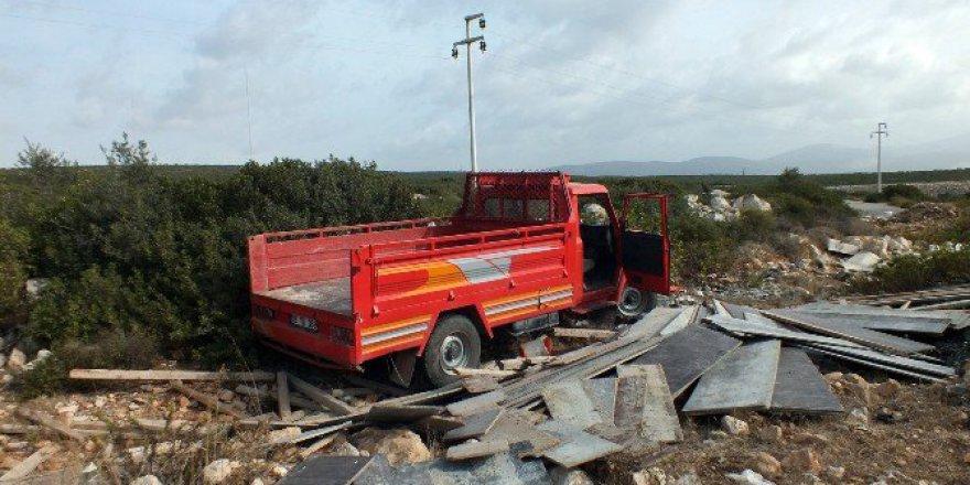 Aydın, Didim'de Trafik Kazası; 3 Yaralı