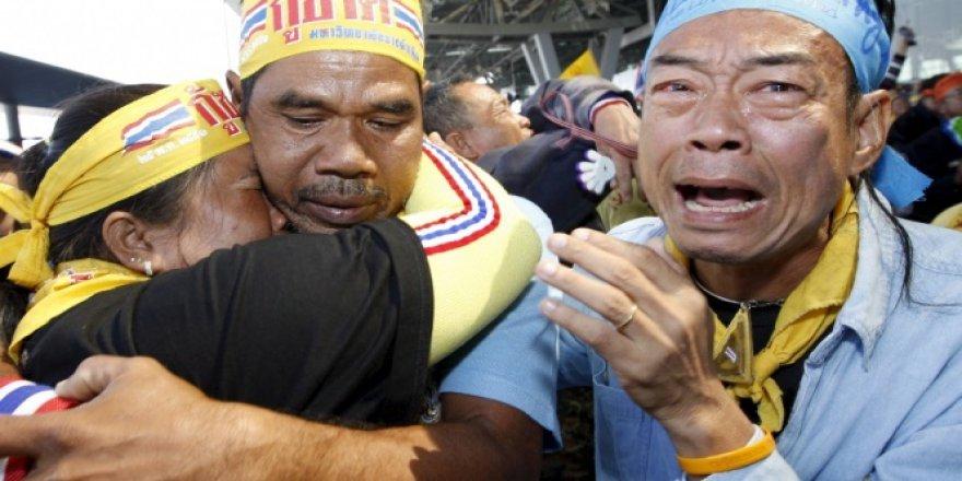 Tayland'da Kralı Bhumibol'un ardından 1 yıl yas