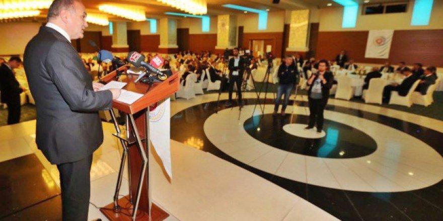 """Bakan Faruk Özlü'den """"Başkanlık Sistemi Ve Yeni Anayasa"""" Açıklaması"""