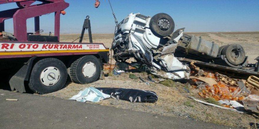 Konya, Ereğli'de Devrilen Tır'ın Sürücüsü Hayatını Kaybetti