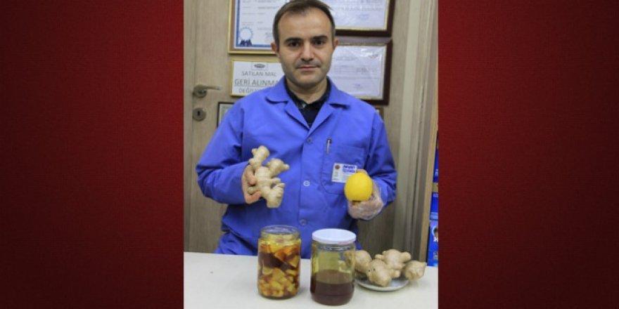 Mehmet Özyürek şifa dağıtan üçlüyü açıkladı
